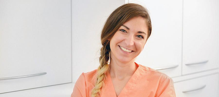 Fidan Ozcan Hygiéniste dentaire diplômée de l'école de Genève en 2007