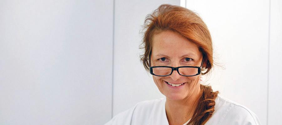 Virginie Chevalley Hygiéniste dentaire diplômée de l'école de Genève en 1998